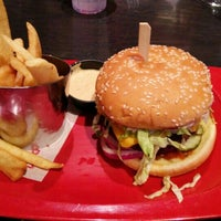 Photo taken at Red Robin Gourmet Burgers by Brian M. on 2/13/2016