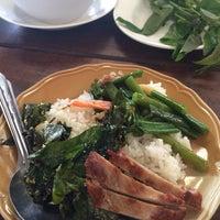 Photo taken at ร้านอาหารนายหัว by เดียวคุง J. on 2/14/2014