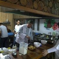 Photo taken at Aloha Aina Chef Dimas -Refined Hawaiian Cuisine by Chef Dimas Soeyono. by Amelia J. on 11/15/2014