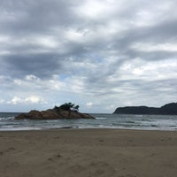 Photo taken at Uradome Coast by まつやま 旅. on 10/9/2016