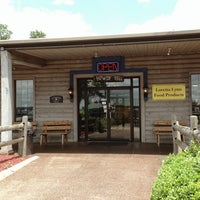 Photo taken at Loretta Lynn's Kitchen and Gift Shop by Paul D. on 7/2/2013