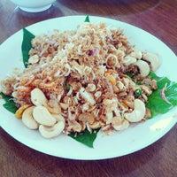 Photo taken at สวนครัวเรืองรุ่ง @ ท่าหลวง ลพบุรี by NariTa P. on 5/19/2013