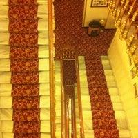 Photo taken at Büyük Londra Oteli by Madame No Name on 5/30/2013