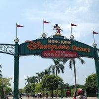 Photo taken at Hong Kong Disneyland by Sirikorn oil S. on 9/12/2013