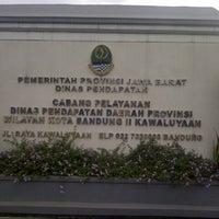 Photo taken at Samsat Bandung Tengah by Irawan D S. on 12/31/2012