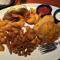 Photo taken at Red Lobster by Jim C. on 9/16/2016