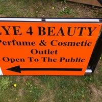 Photo taken at Eye 4 Beauty by Simon C. on 3/16/2011