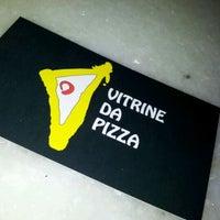 Photo taken at Vitrine da Pizza - Pizza em Pedaços by Fabricio O. on 5/13/2012