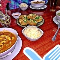 Photo taken at Topaz Thai Restaurant by Natali S. on 4/19/2015