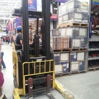 Photo taken at Homecenter y Constructor Calle 80 by Camilo A. on 1/7/2013