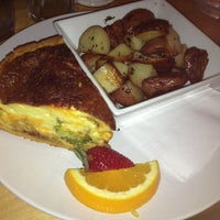 Photo taken at Emma's Country Kitchen by Parmis F. on 8/4/2013