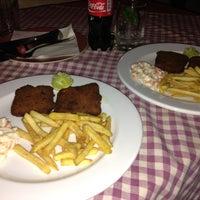 Photo taken at Food King by Nash🎀 on 9/22/2014