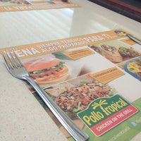 Photo taken at Pollo Tropical by Samuel R. on 5/23/2013