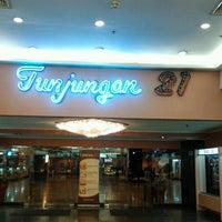 Photo taken at Tunjungan 21 by Wi2ck Z. on 12/17/2012