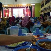 Photo taken at Dewan Kelab Melayu (MUC) by Aduzza B. on 12/21/2013