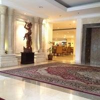 Photo taken at Arion Swissbel Hotel by darl♥️ishdarl♥️leen🛍👛 on 6/3/2013