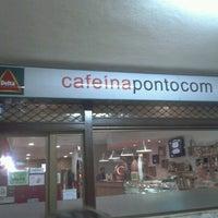 Photo taken at Cafeínapontocom by Íris G. on 1/10/2013