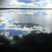 Снимок сделан в Набережная залива Параниха пользователем Anna G. 5/16/2014