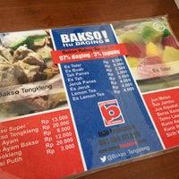 Photo taken at Bakso Tengkleng Mas Bambang by Eko W. on 3/26/2016