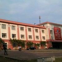 Photo taken at Đại Học Thuỷ Lợi by Tu N. on 1/10/2013