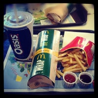 Photo taken at McDonald's by Adeline Annastasia T. on 9/18/2013
