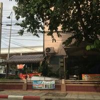 Photo taken at Hotel Kim City Lampang by Khongsak T. on 7/23/2016
