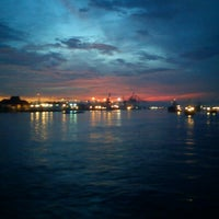 Photo taken at pelampung penyebrangan ferry prima eksekutif by Richie on 5/20/2013