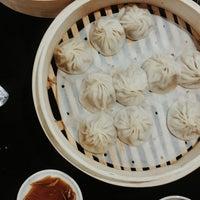 Photo taken at Din Tai Fung Dumpling House by Diane H. on 12/30/2013