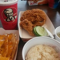 Photo taken at KFC Limbang Plaza by Abduh Waren K. on 4/13/2014