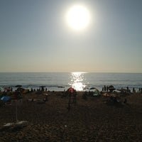 Photo taken at Sector 3 - Playa Reñaca by Pablo  A. on 2/8/2013