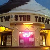 Photo taken at Twistee Treat by Suehay E. on 1/10/2013