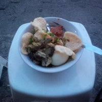 Photo taken at Bubur Ayam Van Danoe by Tony Hermanto T. on 11/20/2014