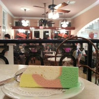 Photo taken at Angelo Brocato's by Veronica D. on 3/11/2013