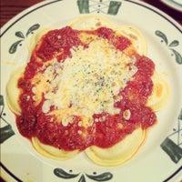 Photo taken at Olive Garden by Rachel G. on 12/11/2012