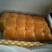 Photo taken at Tok Ayah Bakery (Roti Naik) by Matek C. on 1/28/2013