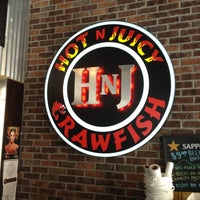 Photo taken at Hot N Juicy Crawfish by Charlie B. on 5/17/2013
