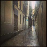 Photo taken at Carrer de Sant Domenec del Call by Евгений Ф. on 7/10/2013