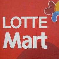 Photo taken at Lotte Mart by Lan L. on 10/29/2012