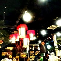 Photo taken at OldTown White Coffee by Fatin N. on 1/10/2013