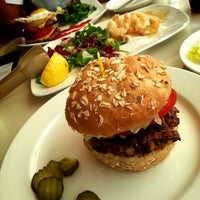 Photo taken at Kraze Burgers by JENNY C. on 8/15/2013