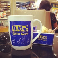 Photo taken at Coffee World by Ekkapoom R. on 11/9/2013