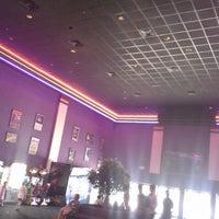 Photo taken at Hollywood 16 Cinema by Larisa on 5/24/2013