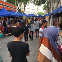 Photo taken at Bazar Ramadhan Setiawangsa by Syed Ahmad A. on 6/13/2016