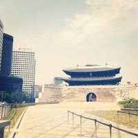 Photo taken at Sungnyemun by Raphael Younha H. on 5/13/2013