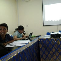 Photo taken at Fakultas Ilmu Kesehatan Masyarakat by Rina L. on 4/4/2013