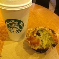 Photo taken at Starbucks by Geraldo S. on 1/20/2013