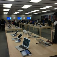 Photo taken at Apple Towson Town Center by Jon G. on 1/22/2013