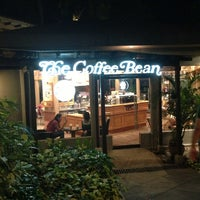 Photo taken at The Coffee Bean & Tea Leaf by Krisela A. on 2/23/2013