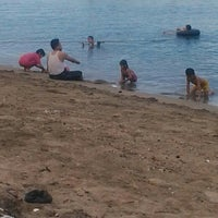 Photo taken at Pantai Bahari Polewali by Zdianto G. on 4/30/2015