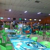Photo taken at Via Bowling by Josemberg A. on 2/13/2013